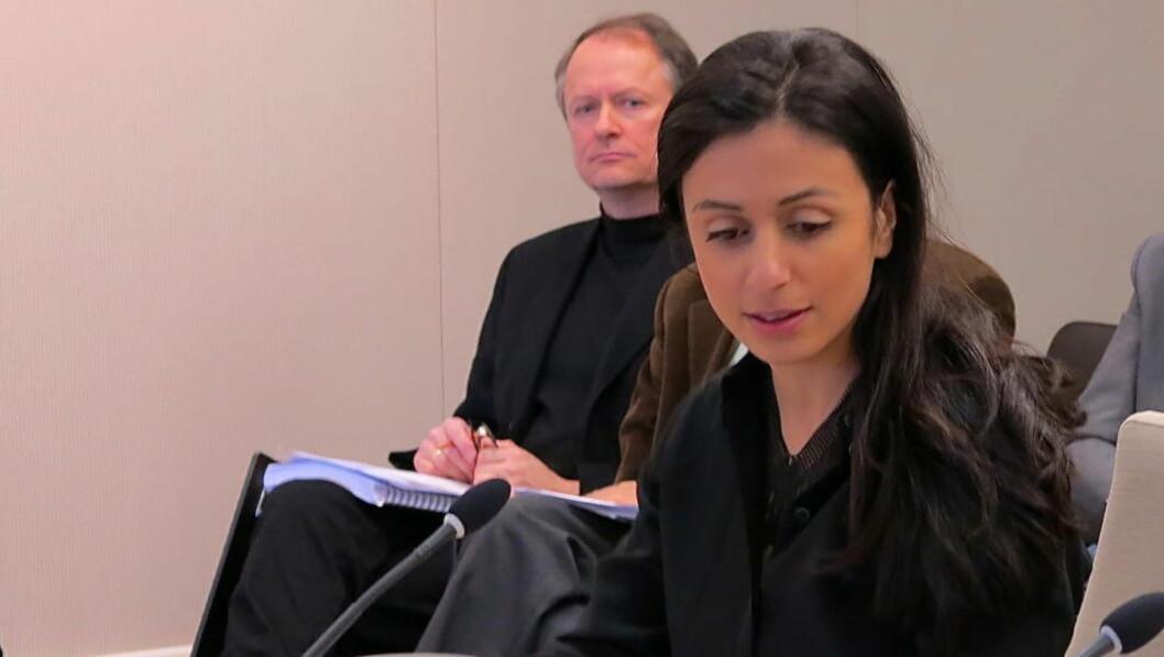 Justiskomiteens leder, Hadia Tajik under den åpne høringen tirsdag. Hun lyttet med stor interesse til innlegget fra Jan Harsem (bak) i Støtteforeningen for Scandinavian Star. Foto: Per Asle Rustad