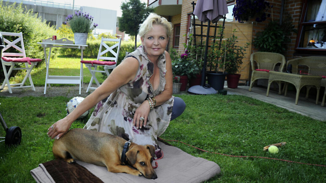 <strong>BLE RUSAVHENGIG:</strong> Grethe Iversen (51) mener legene gjorde henne til narkoman. Hun fikk utskrevet enorme mengder morfinliknende preparater og andre, tunge medikamenter i flere år. Foto: Fridgeir Walderhaug