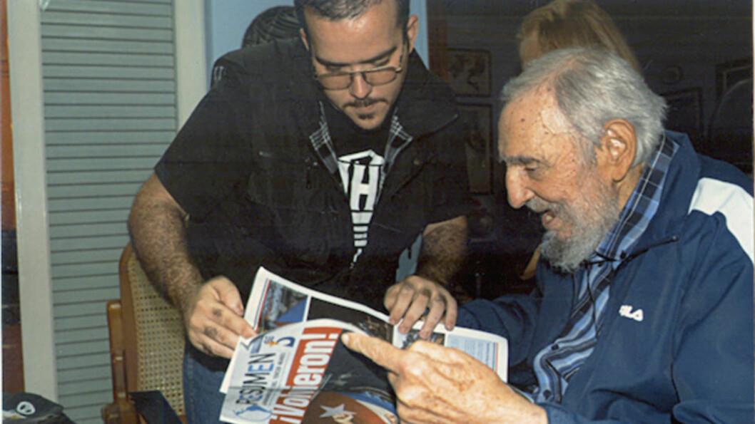 SE, HAN LEVER! Angivelige nye bilder av Cubas ekspresident Fidel Castro (88) er frigitt av landets myndigheter. Foto: REUTERS/Handout/NTB Scanpix