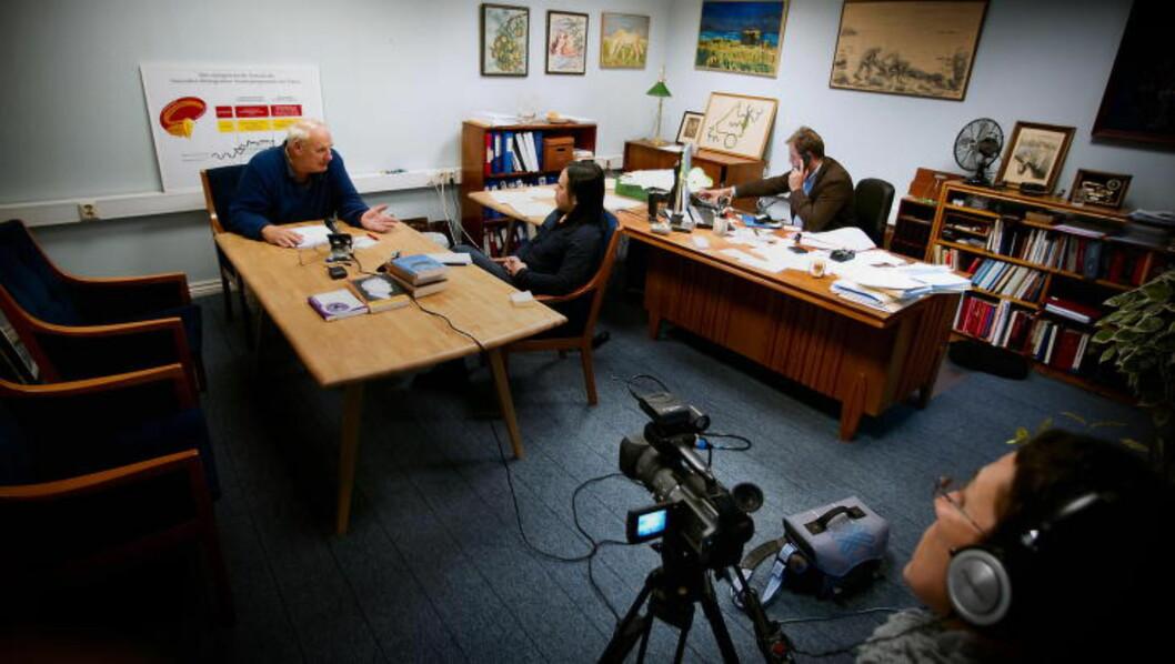 <strong>NEKTET Å SVARE:</strong> Dagbladets intervju med Hamer (t.v.) i 2010 lot seg ikke fullføre fordi tyskeren nektet å svare på kritiske spørsmål og stilte svært strenge krav til gjennomføringen. T.h. Hamers advokat Erik Bryn Tvedt og 79-åringens samboer. Foto: BJØRN LANGSEM / DAGBLADET