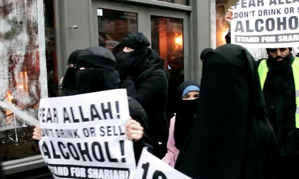 image: Her hisser radikale muslimer på seg høyreekstreme kristne