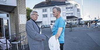 image: Bondevik møtte Støre i badebuksa. Diskuterte målingen som viser at KrF-tillitsvalgte vil til Ap