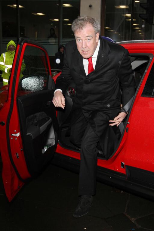 GASSER PÅ: Jeremy Clarkson har kjørt et utall biler. Nå har han plukket ut sine favoritter for året.  Foto: SCANPIX