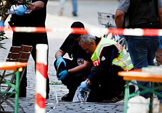 <strong>ANGREP:</strong> Frykt preger Tyskland etter en mengde angrep den siste tida. Her fra Ansbach i Bayern, der en selvmordsbomber sprengte seg selv og skadet 15 25. juli. Foto: Michaela Rehle / Reuters / NTB Scanpix