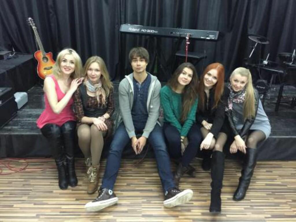 FOLK-POP: Gruppa synger Rybaks låt, som er inspirert av hviterussisk folkemusikk. Foto: Privat