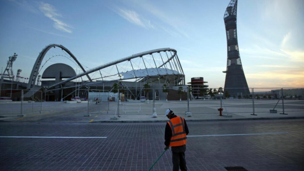 ANLEGGENE BLIR FLOTTE: Men arbeidsforholdene for VM-arbeiderne i Qatar er svært dårlige. Foto: AP / NTB scanpix