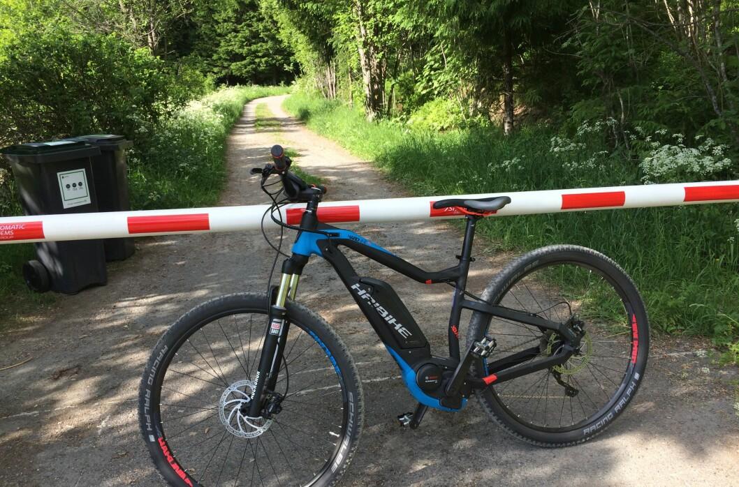 <strong><B>STENGT:</strong></b> Naturen er åpen for vanlige sykler. Elsykkel er derimot totalforbudt i utmark, mens du trenger grunneiers tillatelse for å elsykle på skogsbilvei. Foto: TORE NESET
