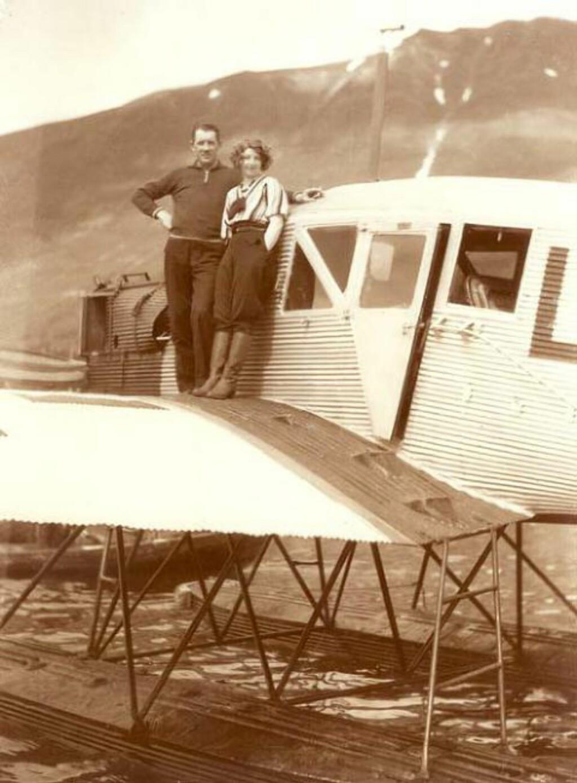 EGET SELSKAP: I 1932 startet Gidsken Jakobsen sitt eget flyselskap. To år før Widerøe ble opprettet og 14 år før flygründeren Bjørn Kjos ble født. Foto: NORSK LUFTFARTSMUSEUM