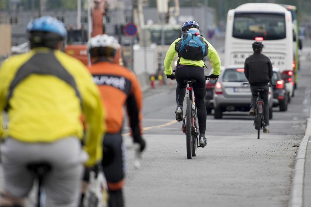 <B>REGLER:</b> Syklister skal som hovedregel oppføre seg som syklister når de er i veibanen. Vikepliktreglene kan likevel skape forvirring. Foto: JON OLAV NESVOLD/NTB SCANPIX