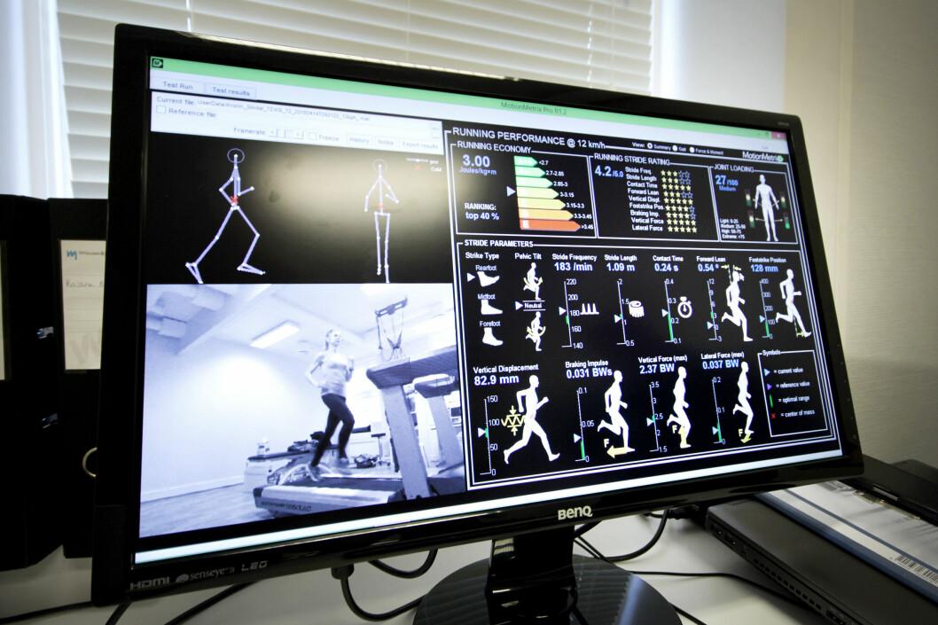 <strong><b>ANALYSE:</strong></b> Dataprogrammet analyserer løpeteknikken din basert på videoopptaket, og du får informasjon om blant annet belastning på ledd, hvordan du lander på foten, energibruk og mye mer. Foto: OLE PETTER BAUGERØD STOKKE