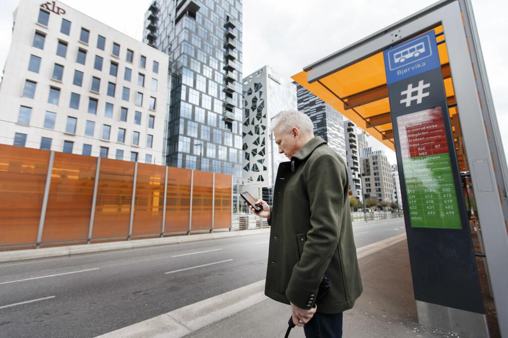 <b>VENTER:</B> Om bussen ikke kommer, har du krav på å få dekket utgifter til alternativ transport over hele landet. Foto: GORM KALLESTAD/NTB SCANPIX