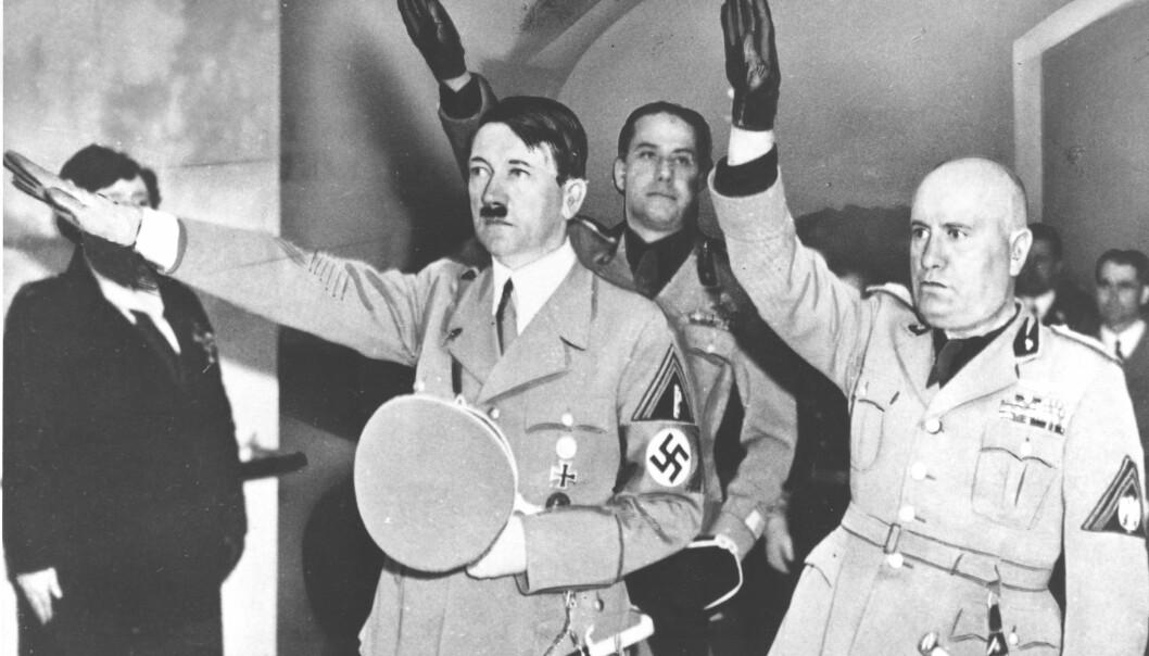 DIKTATOR: Adolf Hitler var ansvarlig for utryddelsen av seks millioner jøder og var fører for Det tredje riket. Her sammen med Italias diktator Benito Mussolin. Foto: (AP Photo/NTB scanpix