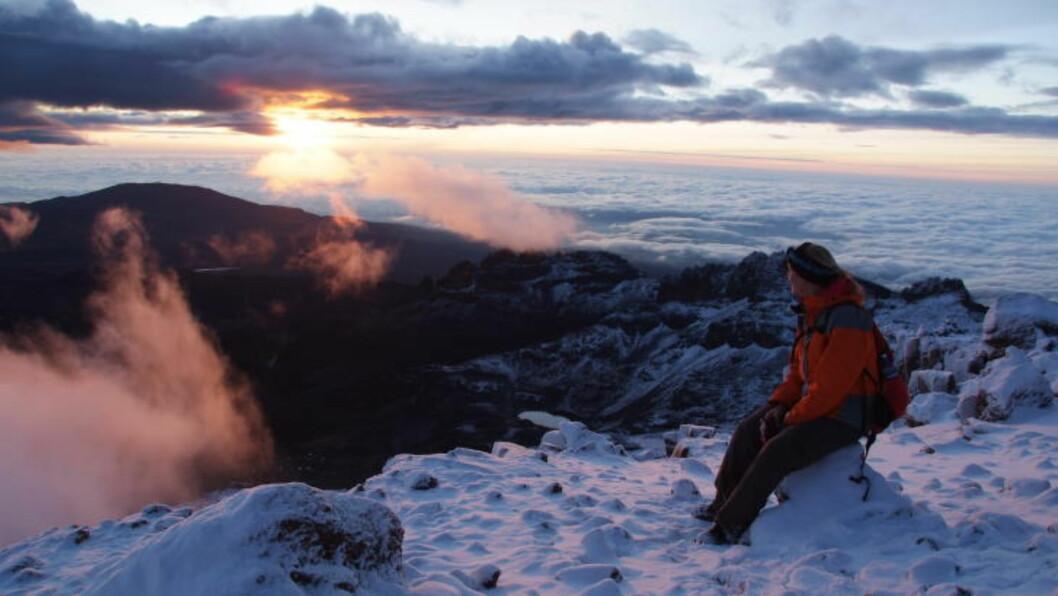 <strong>STIKKER SEG UT:</strong> Mt. Kenya er stikker opp av et ellers flatt landskap, så utsikten fra toppen helt formidabel. Foto: RONNY FRIMANN