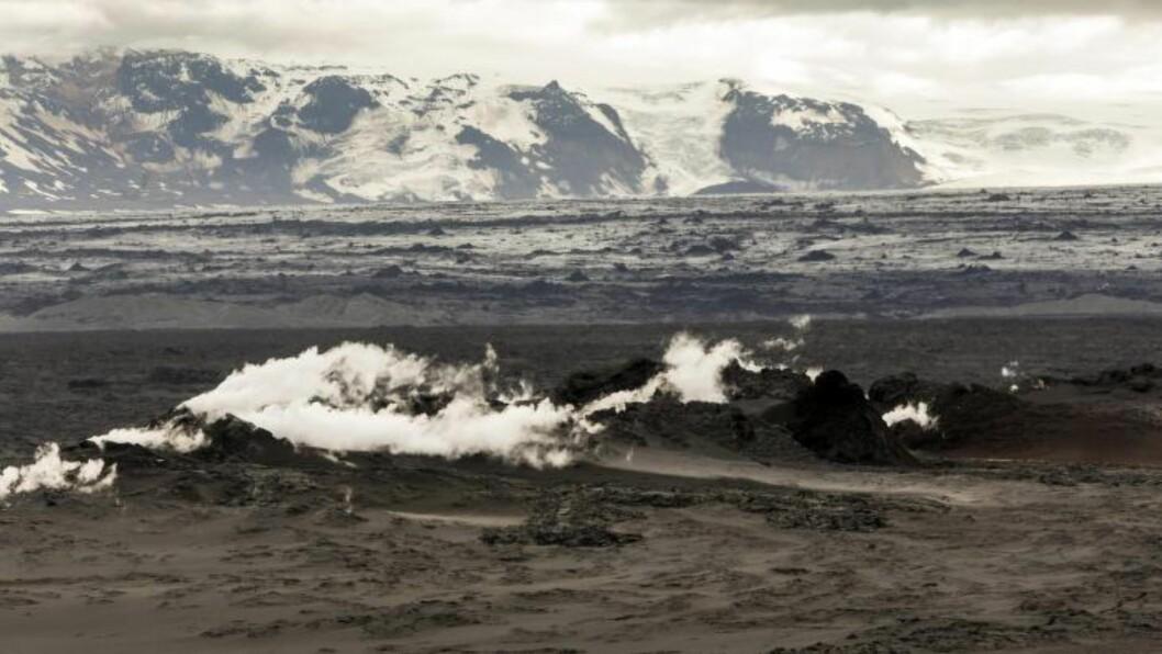 ROLIG: Dagens utbrudd blir beskrevet som rolig og kontinuerlig av det islandske meteorologiske instituttet. Foto: Vilhelm Gunnarsson / Scanpix