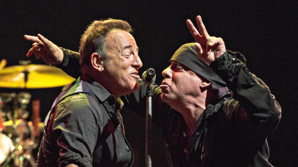 NÅ OGSÅ SKUESPILLERKOLLEGER:  Bruce Springsteen og Steven Van Zandt har spilt sammen i The E Street Band i en årrekke. Nå får Springsteen en gjesterolle i den norske tv-serien Lilyhammer, hvor Van Zandt har hovedrollen.  Foto: Lars Eivind Bones / Dagbladet