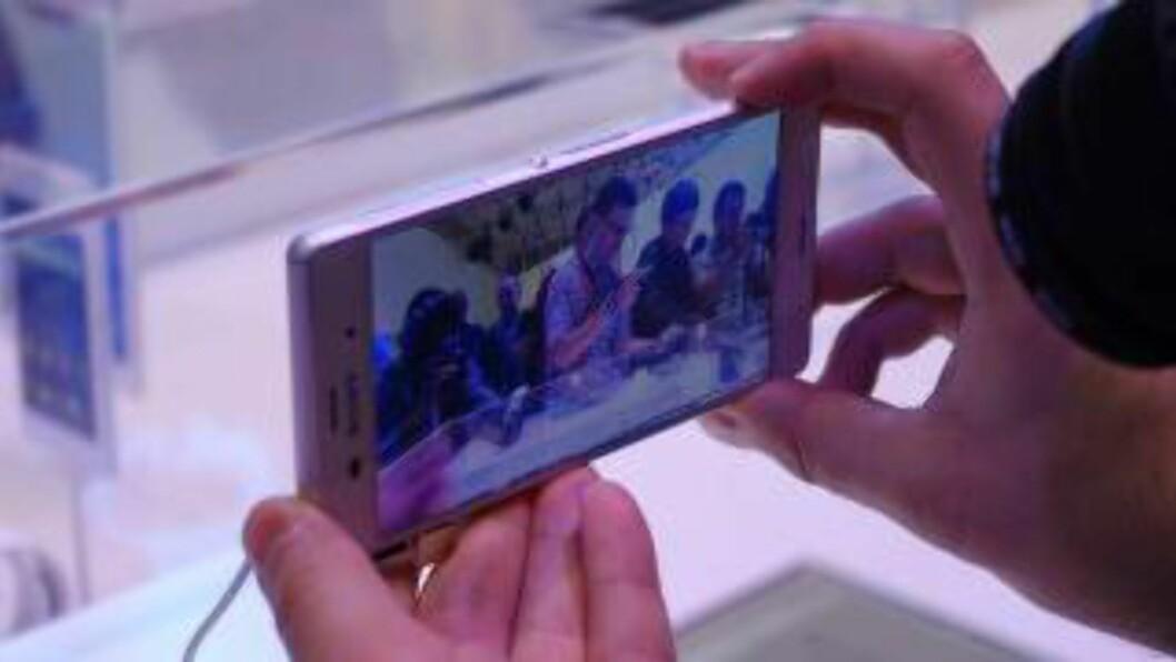 VANNTETTE: De nye Sony-mobilene skal fortsatt være vanntette. Foto: KIRSTI ØSTVANG