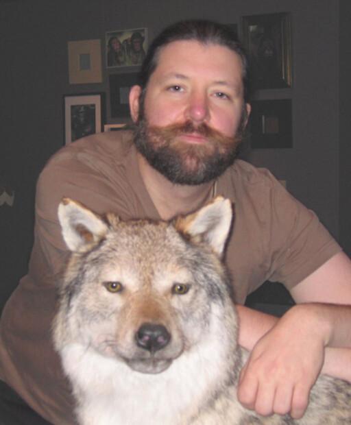 BLI VENN MED SNEGLENE: Zoolog Petter Bøckman mener hageeierne bør ta det med ro istedet for å kjempe mot de forhatte brunseglene. Foto: WIKIPEDIA