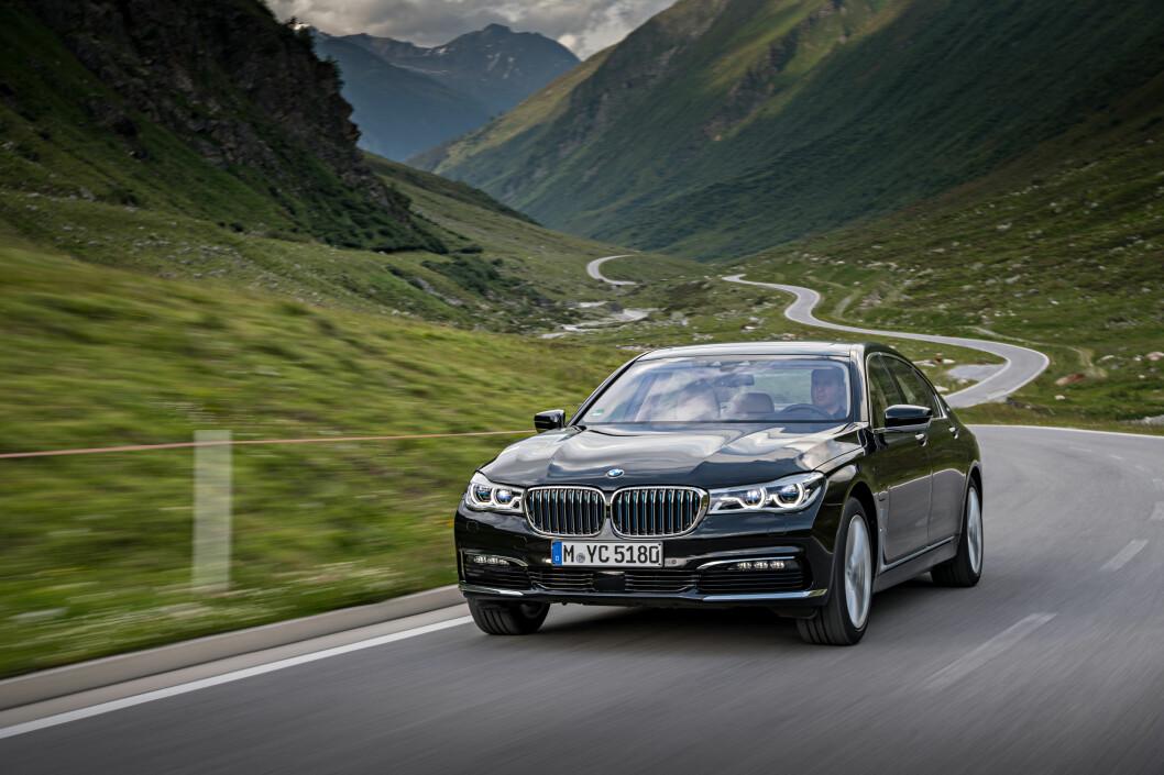 <strong><b>LADBAR OG STERK:</strong></b> Luksusbilen BMW 7-serie får nå en prismessig attraktiv variant med 740e iPerformance, som lanseres i augist med pris fra 970.000 kroner. Det er nesten 200.000 kroner rimeligere enn dieselutgaven med tilsvarende ytelser. Foto: BMW