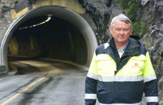 <strong><b>FORNØYD:</strong></b> Arne Jørgensen i Vegdirektoratet er veldig fornøyd med at Norge er først ute med denne type løsning.  Foto: STATENS VEGVESEN/Bjørn Egil Gilje