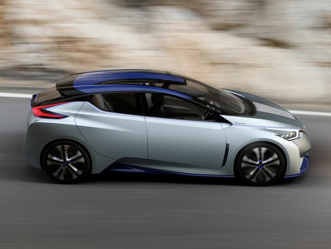 <strong><b>TENKER SELV:</strong></b> Nissan IDS Concept er en elbil med 60 kWt batteripakke. Den har også full autopilotfunksjon basert på kunstig intelligens (AI). Foto: NISSAN
