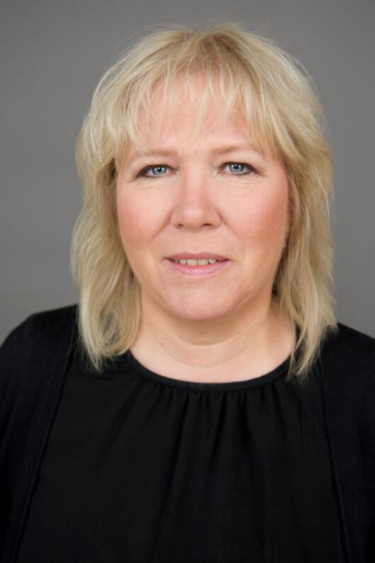 <strong><b>TAR GREP:</strong> </B>Nestleder Bente Øverli i Forbrukerombudet har spesielt fokus på at mobiloperatører holder seg innenfor loven. Foto: CF-WESENBERG / FORBRUKEROMBUDET