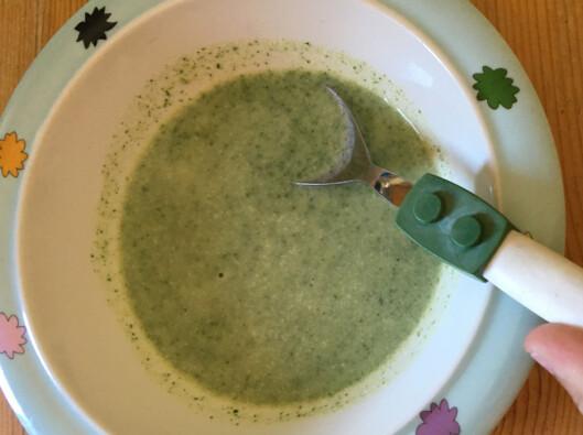 <strong><b>GODKJENT:</strong></b> Neslesuppe smakte veldig godt, selv for barn. Foto: BERIT B. NJARGA