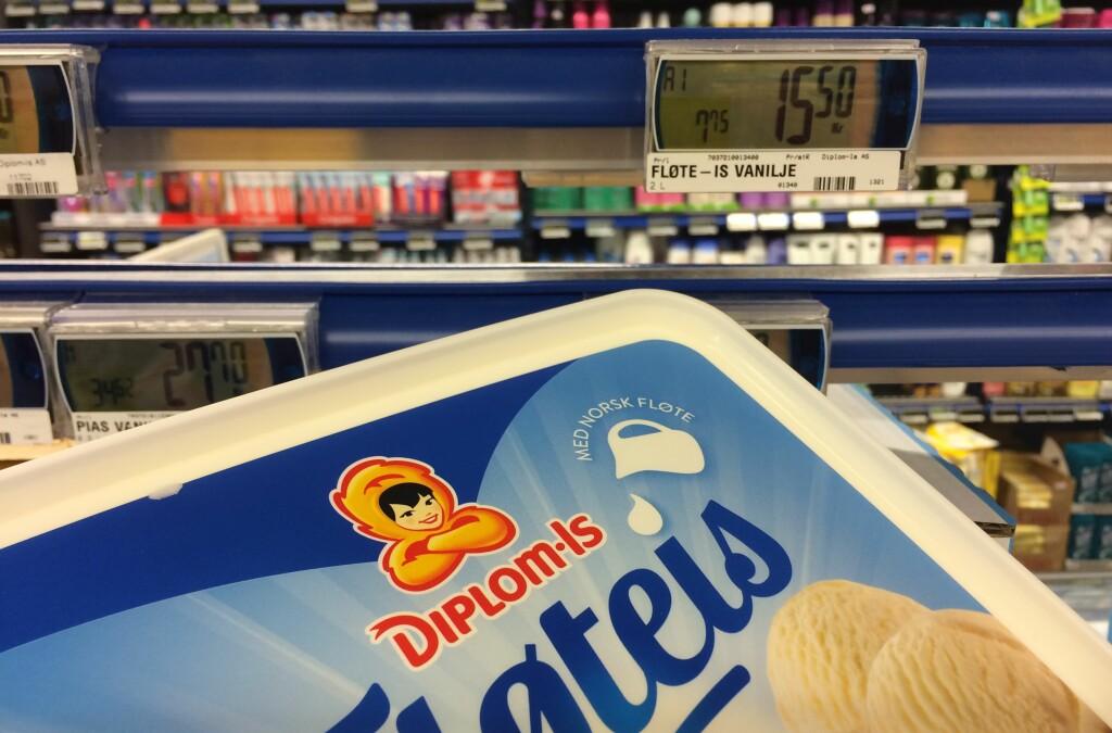 <b>ISKRIG?</b> Vaniljeis er blant produktene hvor det kriges om å være billigst før 17. mai. Foto: BERIT B. NJARGA