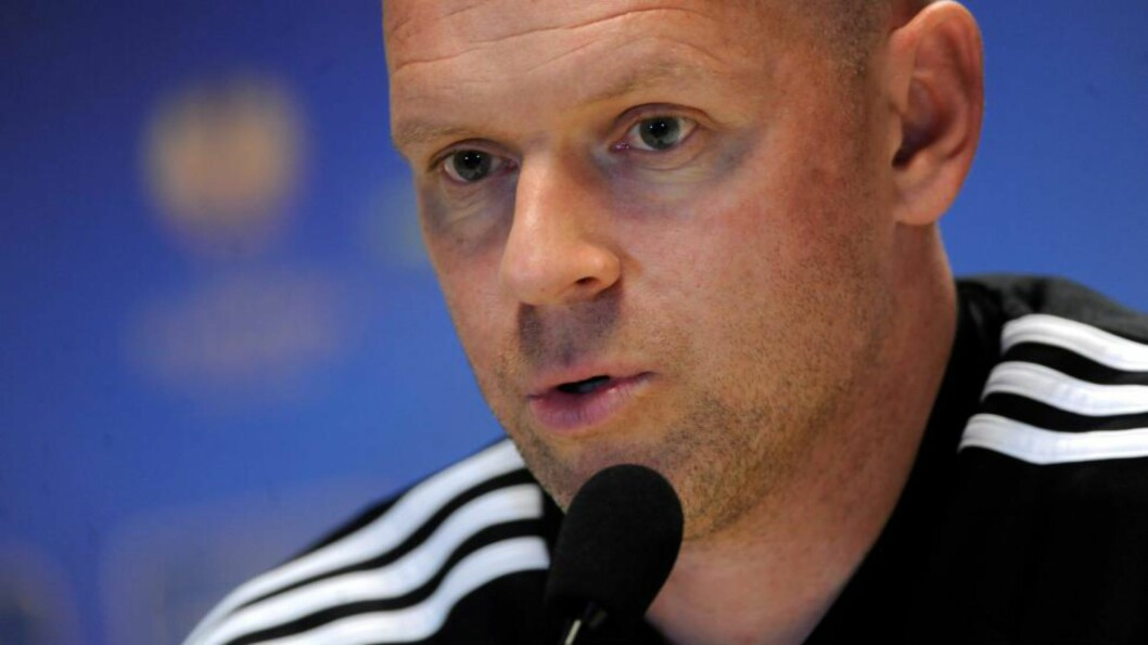 epa04404515 Legia Warsaw head coach Henning Berg during a press conference at the Pepsi Arena in Warsaw, Poland, 17 September 2014. Legia Warsaw will face Sporting Lokeren at Pepsi Arena in the UEFA Europa League soccer match on 18 September 2014.  EPA/BARTLOMIEJ ZBOROWSKI POLAND OUT