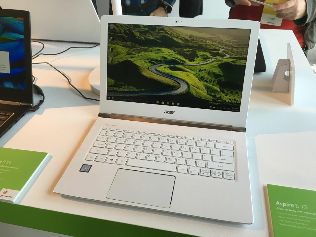 <strong><B>PEN MASKIN</B>:</strong> Acers nye Aspire S13 har kvaliteteter som plasserer den i en klasse godt over det prisen skulle tyde på, bedyrer Acer. Foto: BJØRN EIRIK LOFTÅS