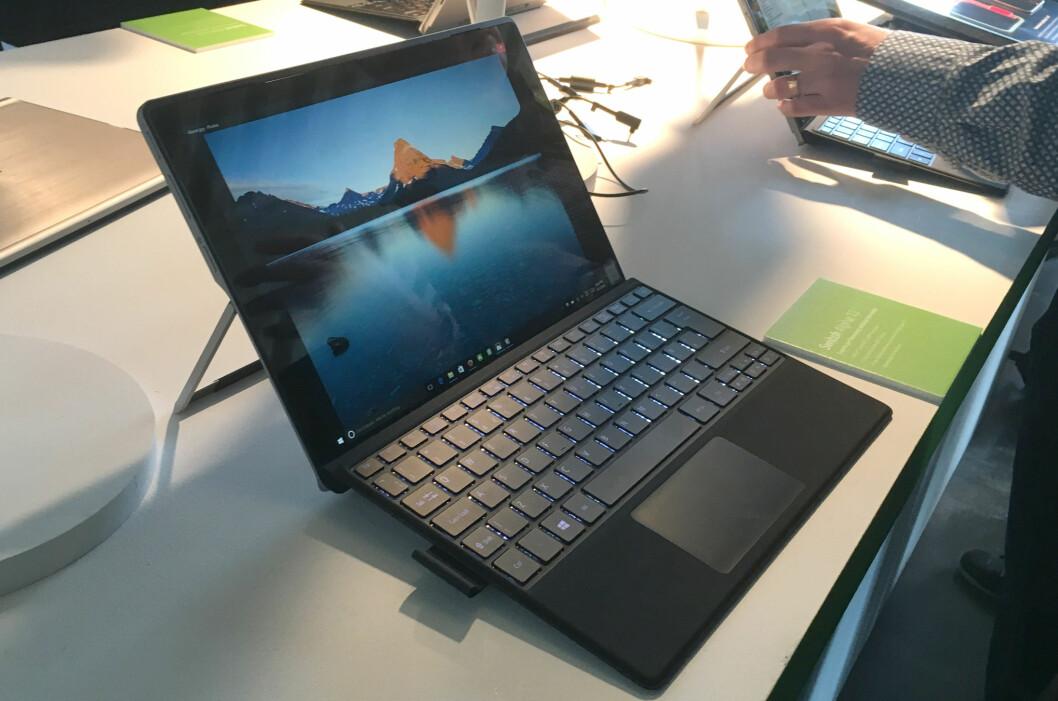 <strong><B>FARVEL TIL VIFTENE</B>:</strong> Acers nye hybrid bruker et patentert kjølevæskesystem som drives rundt av varmen fra komponentene. Foto: BJØRN EIRIK LOFTÅS