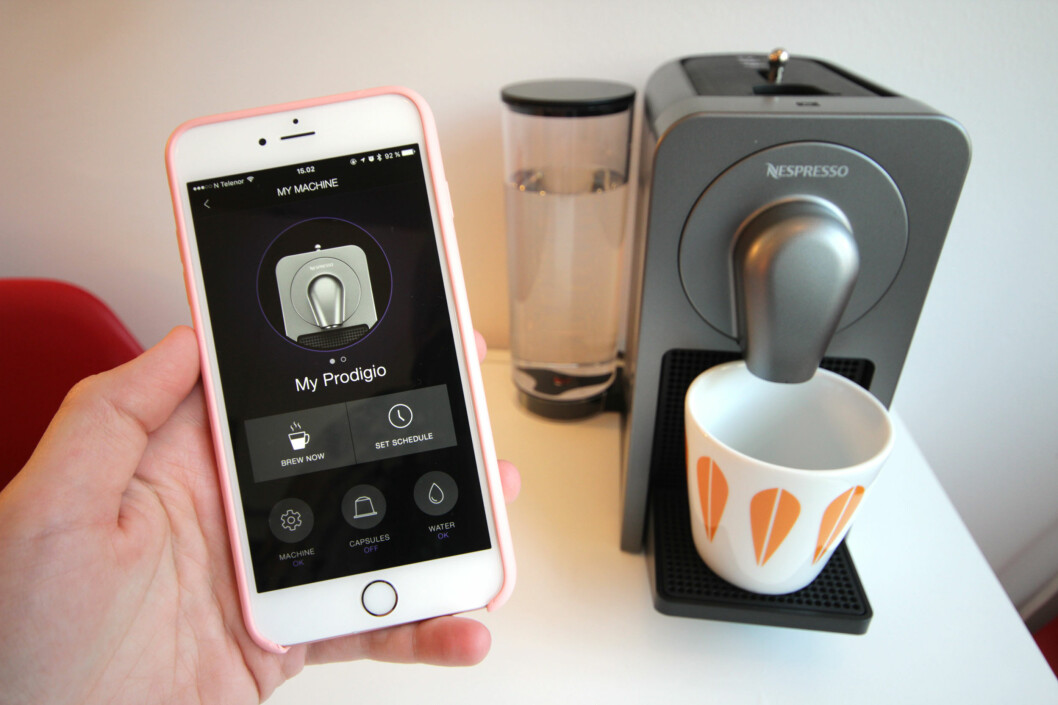 <strong><b>SMARTKAFFE:</strong></b> Med Nespressos nyeste kaffemaskin kan du brygge deg en kopp rett fra mobilen eller nettbrettet. Å lage kaffe blir aldri det samme igjen - eller? Foto: KIRSTI ØSTVANG