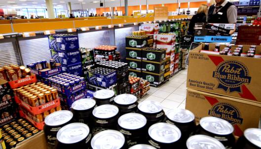Dette må du vite om du skal kjøpe alkohol, snus eller røyk i Sverige