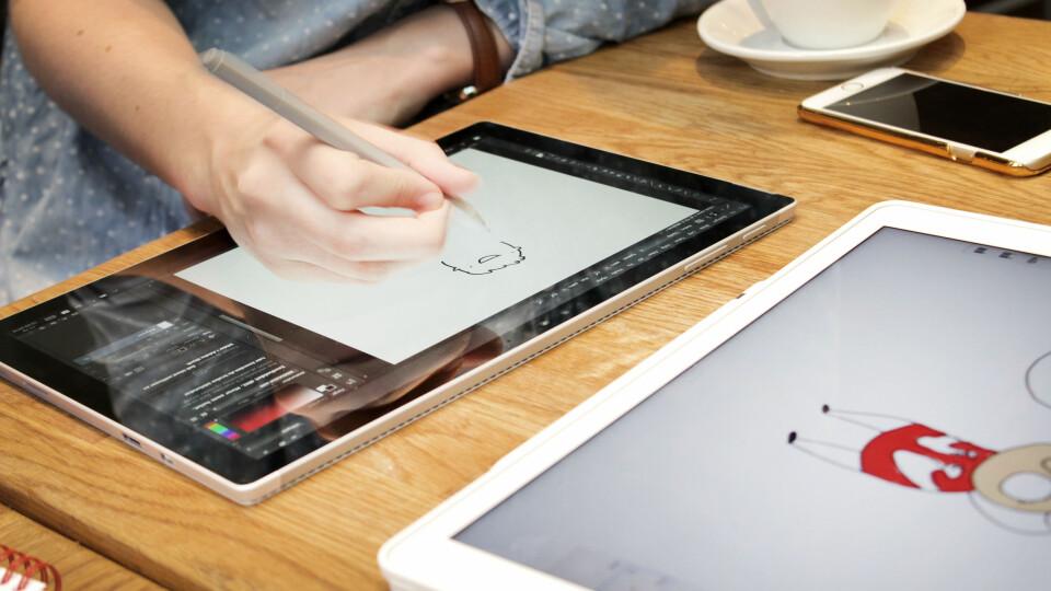 2699fd93f TEST: Apple iPad Pro eller Microsoft Surface Pro 4 - hvilken er best ...