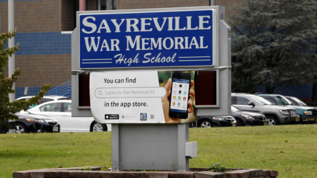 SKANDALE: Sayreville War Memorial High School i Sayreville. Foto: AP Photo/Mel Evans