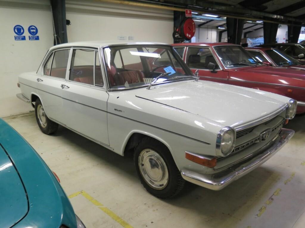 GLAS 1700 TS: Av Glas 1700 biler ble det kun produsert 13.789 eksemplarer, og nettopp dette eksempelet ser ut til å holde seg meget godt.  Foto: Campen Auktioner A/S