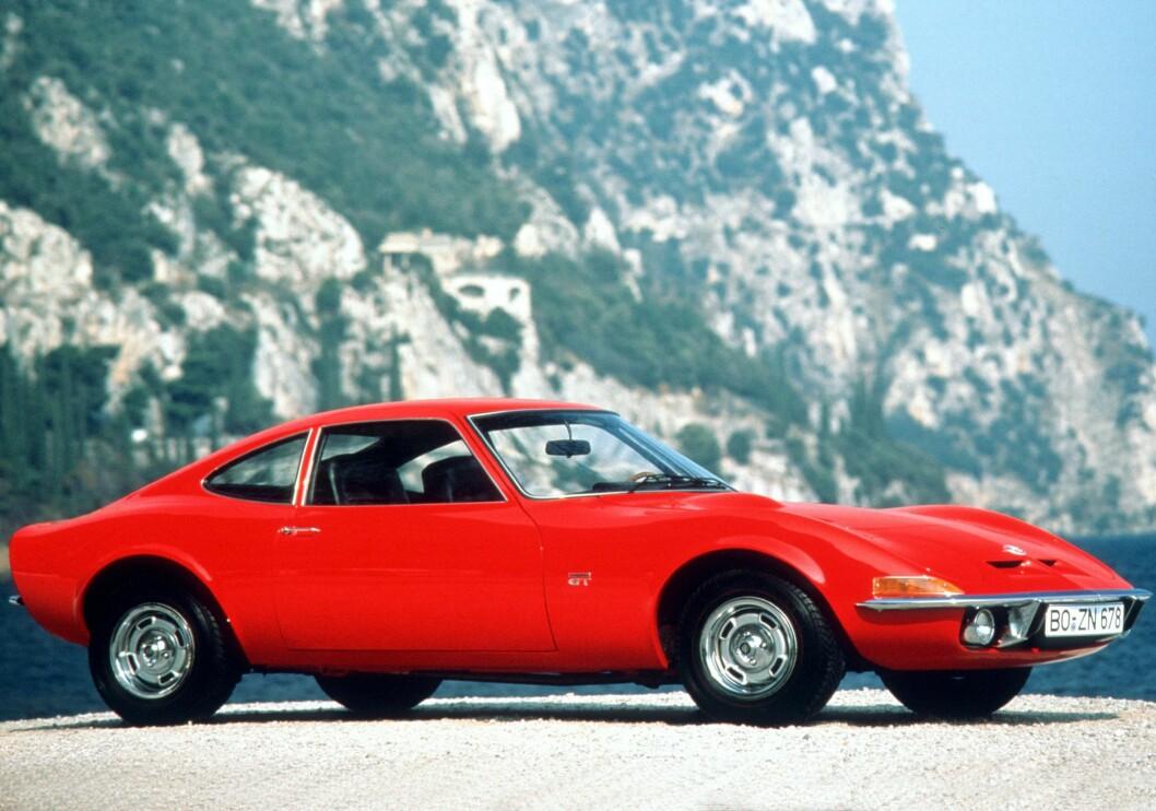 <strong><b>PRODUKSJONSVERSJONEN:</strong></b> Slik så Opel GT ut da den kom på markedet i 1968.