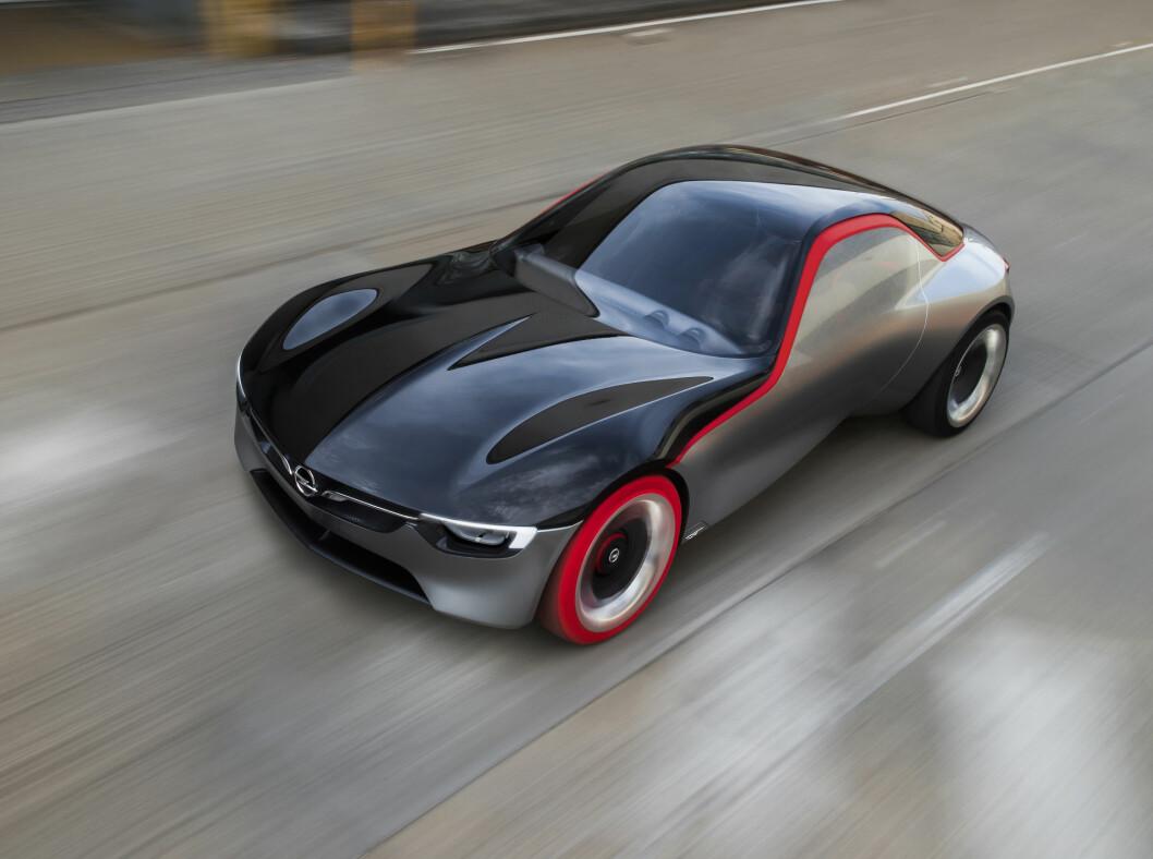 <strong><b>KOMPAKT, MEN SPREK:</strong></b> Med en liten 3-sylindret bensinmotor klarer Opel GT Concept 0 - 100 på under 8 sekunder. Foto: OPEL