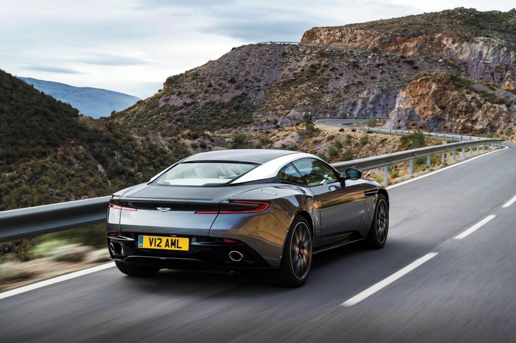 GJENNOMFØRT: Er det bare vi som synes Aston nok en gang har fått det til med designen på den nye bilen? Foto: ASTON MARTIN