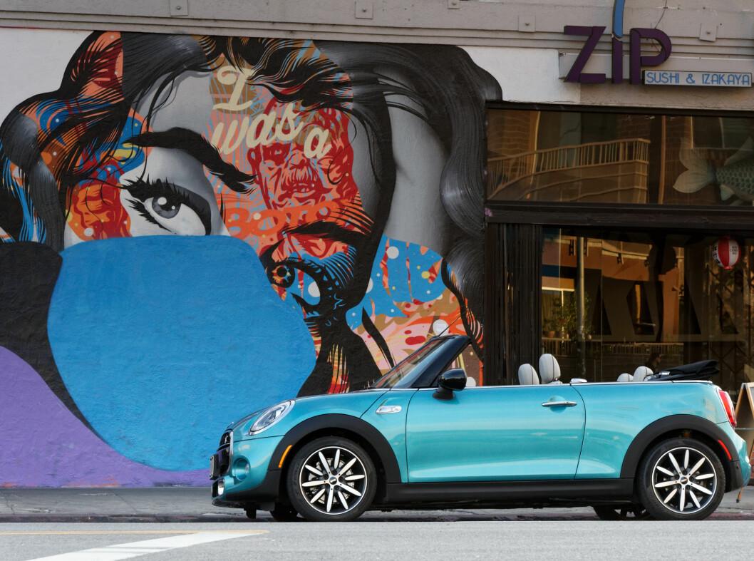 <strong><b>NY FARGE:</strong></b> Aqua Blue blir lansert sammen med convertible. Foto: MINI