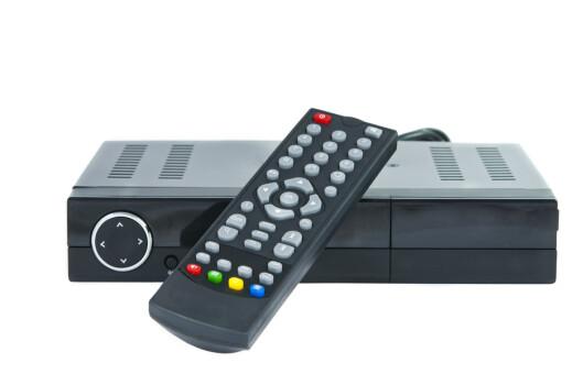 <strong><B>BOKS:</strong></B> Med TV via nett blir den tradisjonelle TV-boksen stadig mindre aktuell for folk flest. Foto: SHUTTERSTOCK/NTB SCANPIX