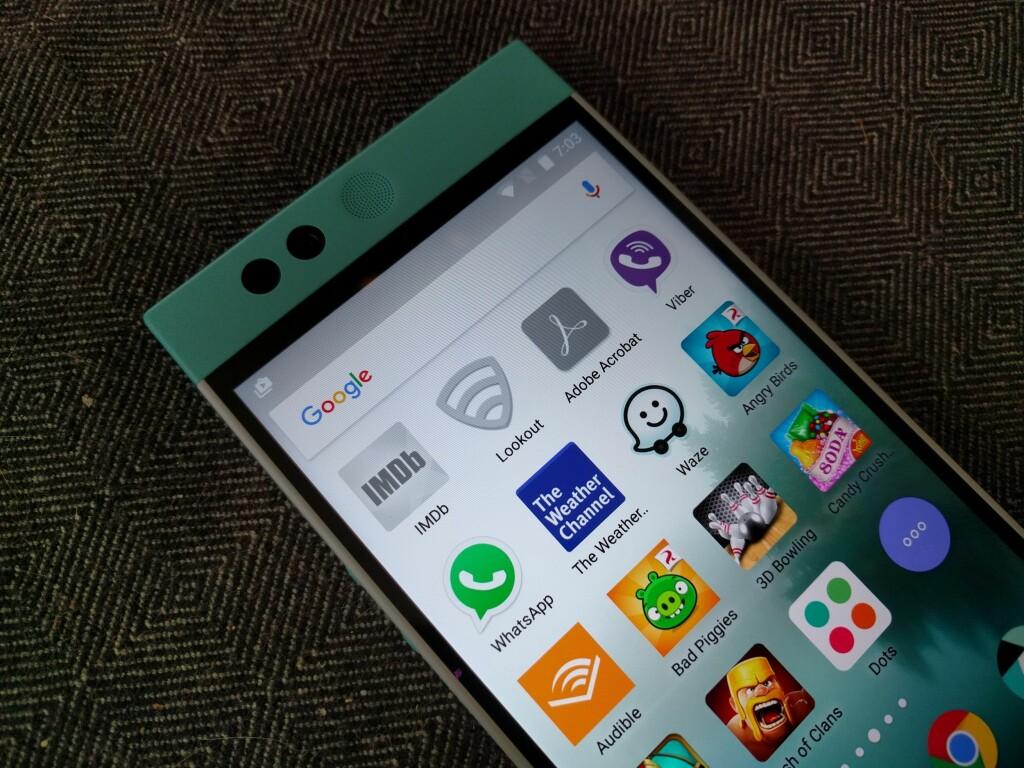 GRÅTT: Går du tom for plass, vil telefonen fjerne appene du bruker minst fra telefonen. De kan hentes fra nettskyen ved å trykke på ikonet. Foto: PÅL JOAKIM OLSEN