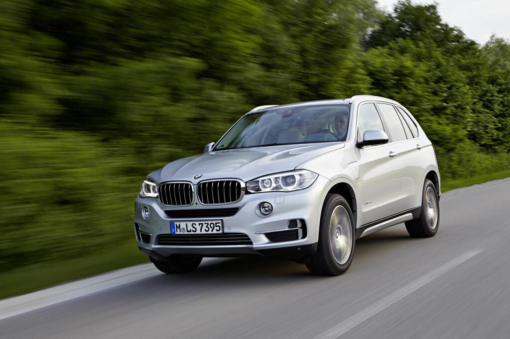 <b>LADBART I FARTA:</b> Mektige BMW X5 xDrive40e (bildet) er en storselger i januar takket være avgiftsomleggingen. Markedet generelt bærer preg av endringene som kom 1. januar. Foto: BMW