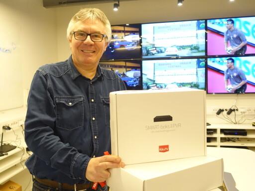 GÅR UNNA: Startpakker som dette har fått bein å gå på de siste dagene, kan informasjonssjef Jens-Petter Gjelseth i RiksTV fortelle. Foto: TORE NESET