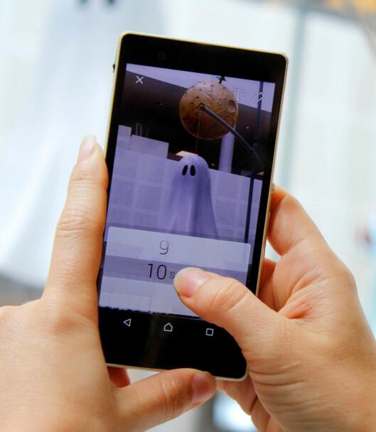 <strong><b>SELVDESTRUERENDE:</strong></b> Snapchat skiller seg fra andre meldingstjenester ved at meldingene forsvinner innen maks ti sekunder. Foto: OLE PETTER BAUGERØD STOKKE