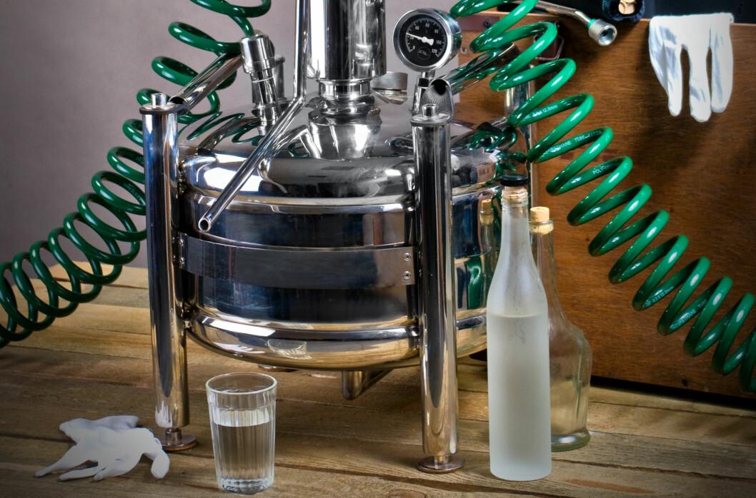 <strong><B>TIL SALGS:</strong></B> Utstyr som åpenbart kan brukes til hjemmebrentproduksjon selges på nettet under dekke av at de skal brukes til å få rent vann. Foto: SHUTTERSTOCK/NTB SCANPIX