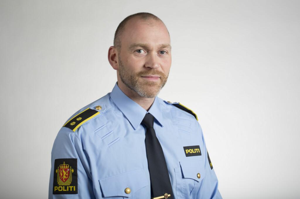 INFORMASJON: Håvard Aalmo i Kripos mener det viktigste er at nordmenn kjenner svindelen, så de kan unngå den. Foto: KRIPOS