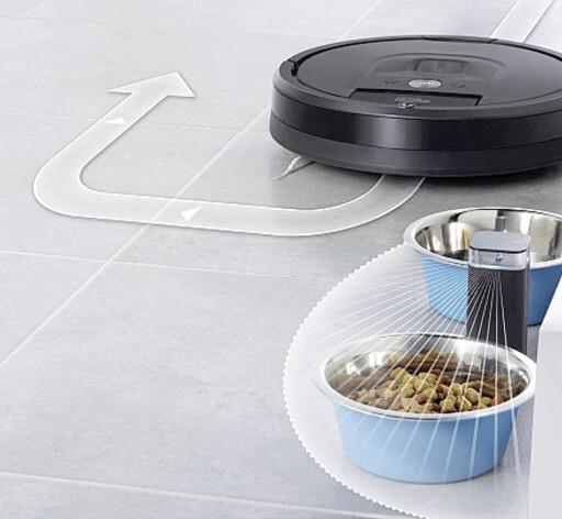 Nye rom-adskillere. De har blitt langt mindre enn før, og kan enten hindre Roombaen å gå inn på ulike rom, eller til å svinge utenom visse hindere. (Batterier følger med.) Foto: IROBOT