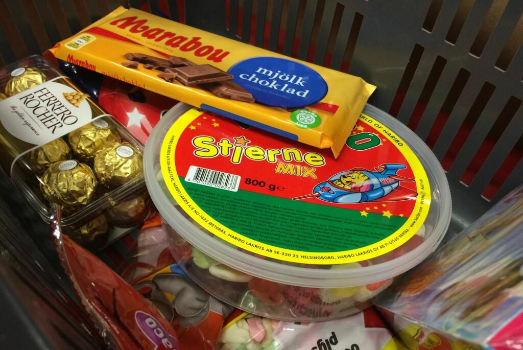 <b>BILLIG GODTERI:</b> Det er lave priser på godteri i Sverige, men hvilken butikk bør du velge? Foto: BERIT B. NJARGA