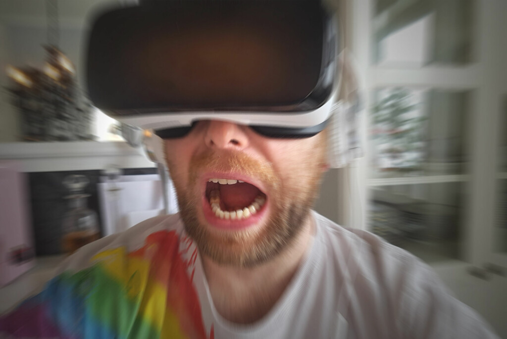 <strong>SPENNENDE:</strong> Dreadhalls er ett av fem anbafelte spill til Gear VR. Det fikk oss til å skrike høyt. Foto: PÅL JOAKIM OLSEN