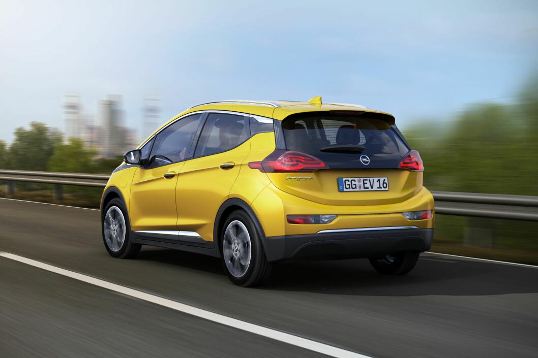 <strong><b>204 HESTER:</strong></b> Opel opplyser at Ampera-e fint kan cruisepå Autobahn i 150 kilometer i timen. 0-100 skal ta cirka 7 sekunder. Foto: OPEL